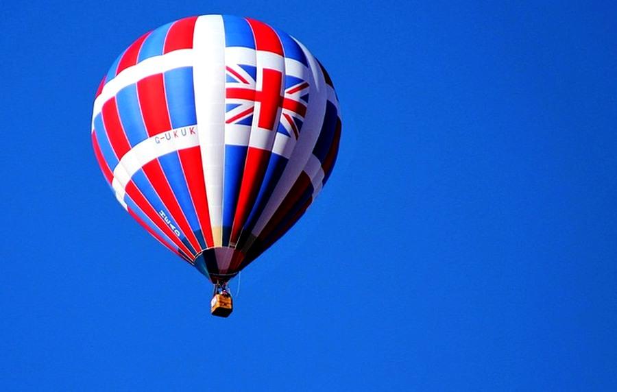 do_Britanie